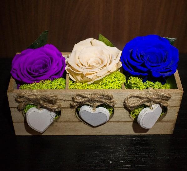 Trandafiri in inimioare cutie